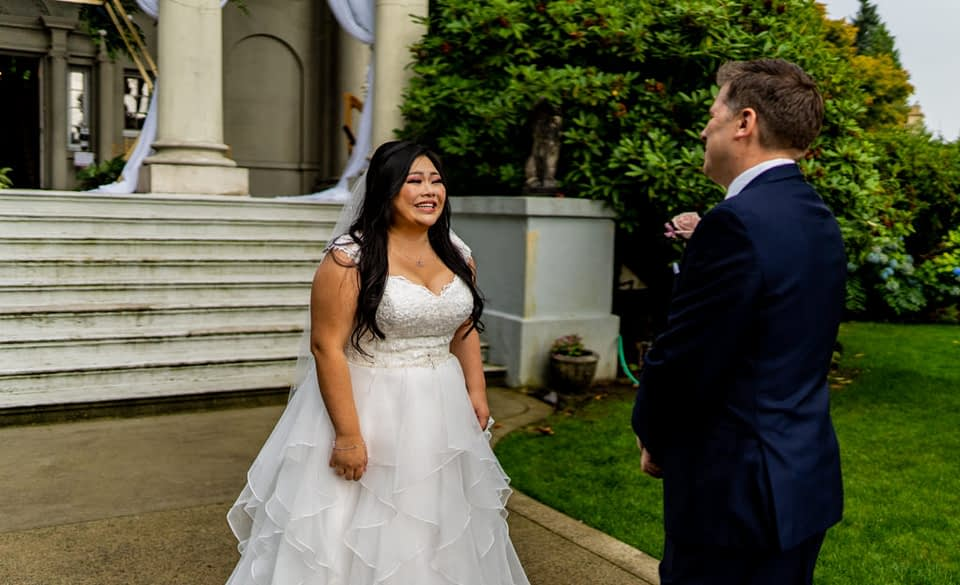 first look at Hycroft Manor with the bride and groom