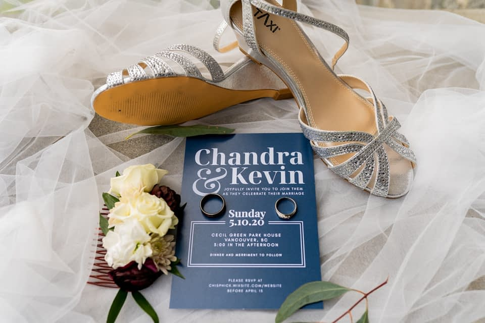Brides shoes and rings during getting ready